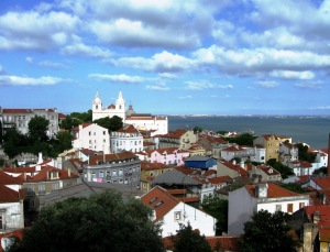 Red tiled roofs of Lisboa and the Tagus River from São Jorge Castle