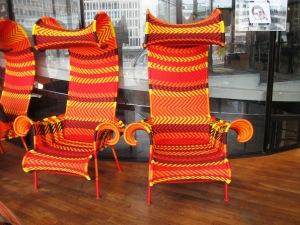 Inventive chaises